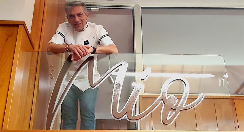 Víctor Cruz, en su nuevo restaurante, Mío | Foto: José L. Conde