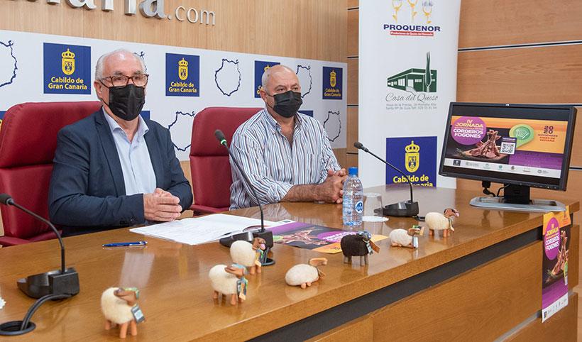 Miguel Hidalgo (i) y José Mendoza, durante la presentación de las actividades