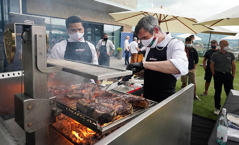 Gorka Irure, durante su participación en el Concurso Nacional de Parrilla | Foto: Gastronomika