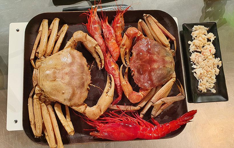 Cangrejo real, camarón cabezudo y carabinero, tres especies presentes en el mar de Canarias