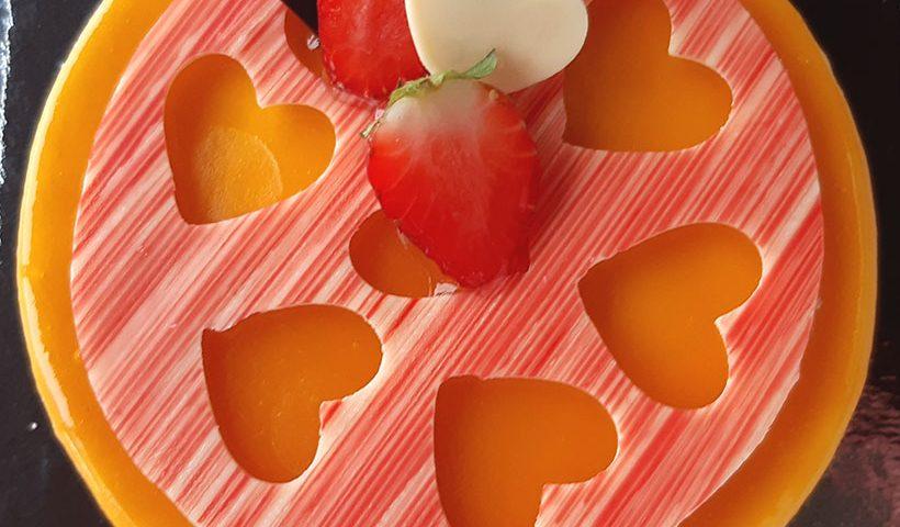 Tarta de fruta de la pasión y coco de El Aderno | Foto: José L. Conde