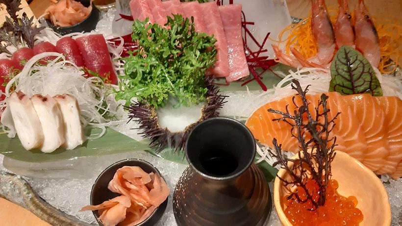 Sashimi Kiki especial (atún, atún toro, salmón, pulpo, gambas)