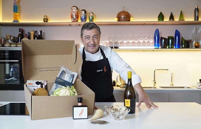 Joan Roca, con la cesta de Gastronomía Sostenible de marzo