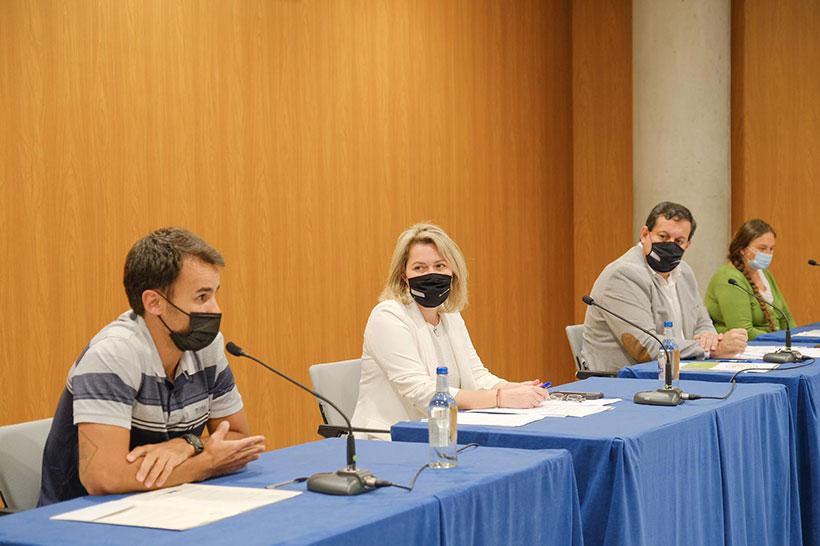 Borja Marrero, Alicia Vanoostende, Basilio Pérez y Rosa María Campos, durante la presentación