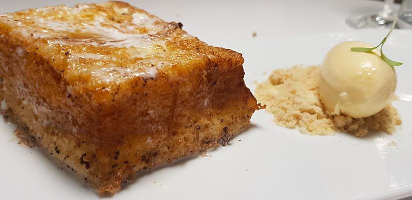 Torrija elaborada con brioche y helado | Foto: José L. Conde