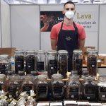 Imanol Cantós, hijo del propietario de Chocolates Lava, en su estand | Foto: José L. Conde