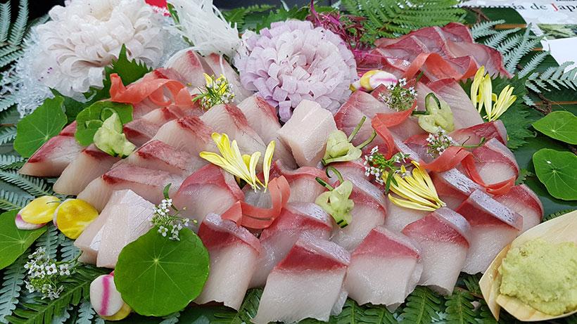 Corte japonés de pescado   Foto: José L. Conde