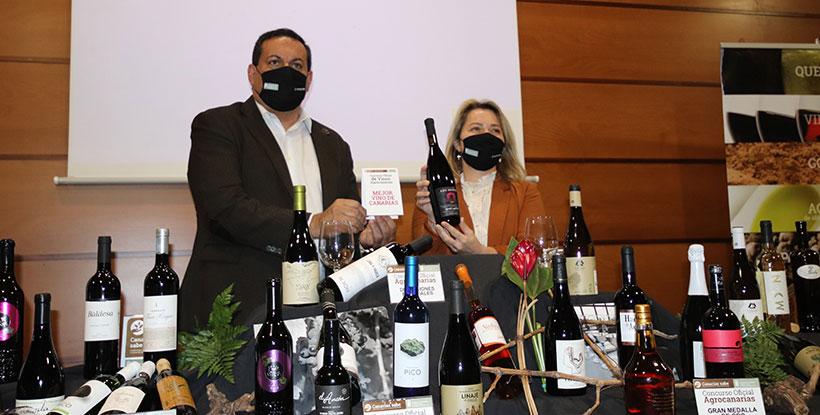 Alicia Vanoostende y Basilio Pérez dan a conocer el vino ganador