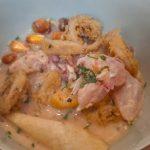 Ceviche de pargo con calamares y canchita | Foto: José L. Conde