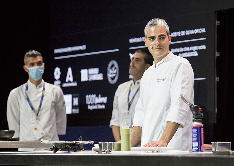 El chef del Kabuki, David Rivero, durante su ponencia sobre los túnidos de Canarias | Foto: Rodrigo Díaz