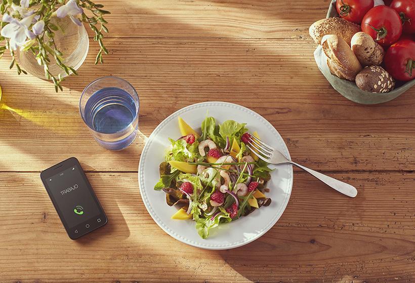 El teletrabajo dispara un 22% los pedidos de comida a domicilio al mediodía