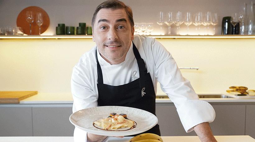 Jordi Roca muestra su plato de plátano carbonara | Foto: BBVA