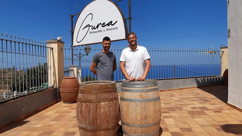 Arkaitz Soto y Javier Jiménez, en un rincón del restaurante que abrirán en octubre | Foto: José L. Conde