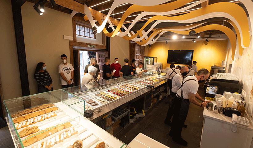 David Rodríguez abrió este miércoles un nuevo proyecto gastronómico en la emblemática Casa Miranda | Foto: Fran Pallero