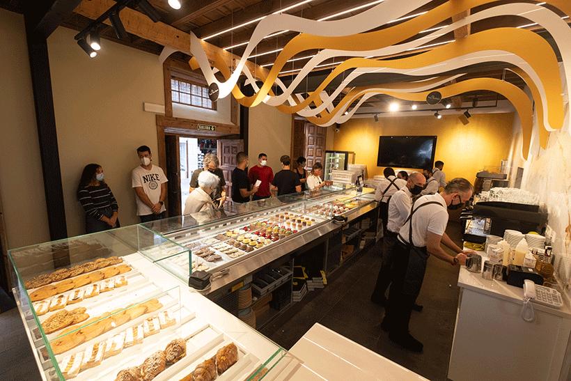 David Rodríguez abrió este miércoles un nuevo proyecto gastronómico en la emblemática Casa Miranda   Foto: Fran Pallero